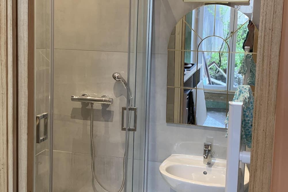 Apartemen Comfort, ensuite, pemandangan kebun (COTE COUR(T)) - Kamar mandi