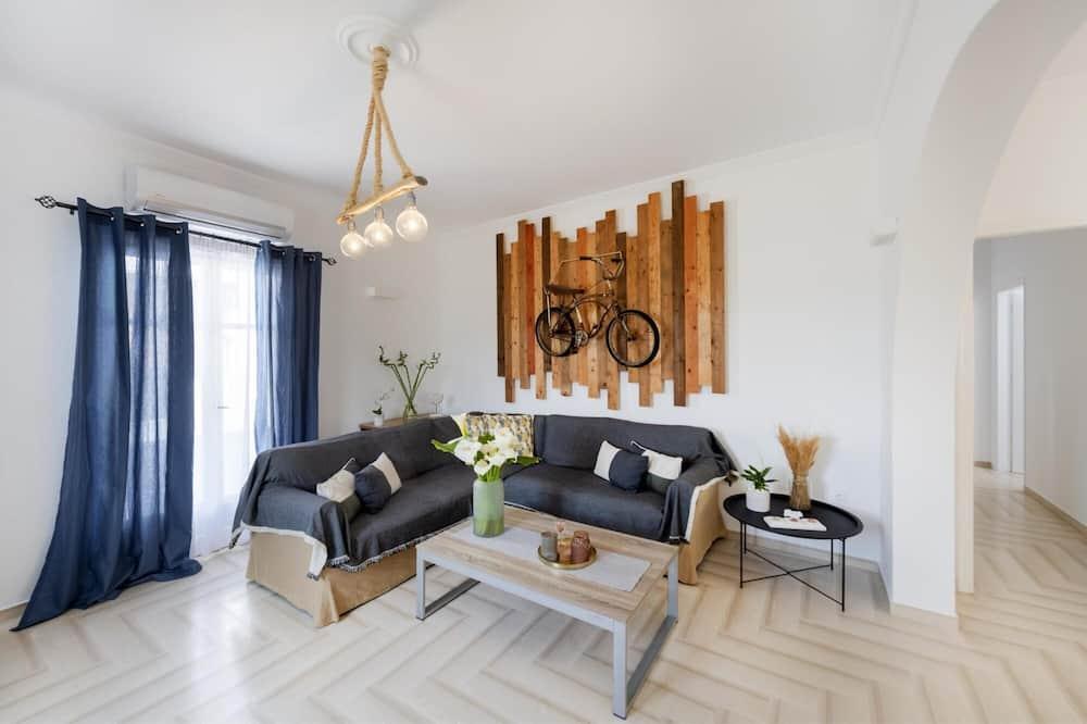 Parikia s Bright Comfort Villa