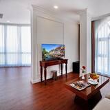 Panoramic Suite - Living Area