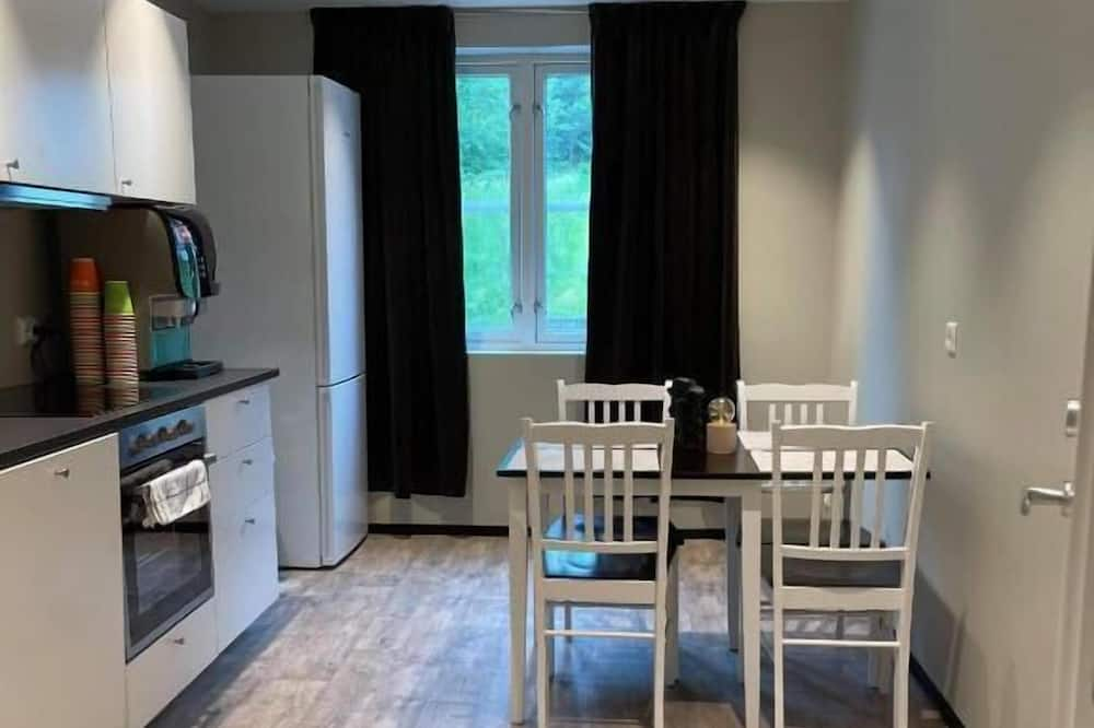 Family Room - Shared kitchen