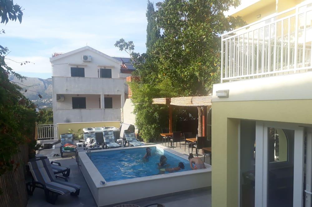 雙床房 (Standard Twin Room) - 游泳池