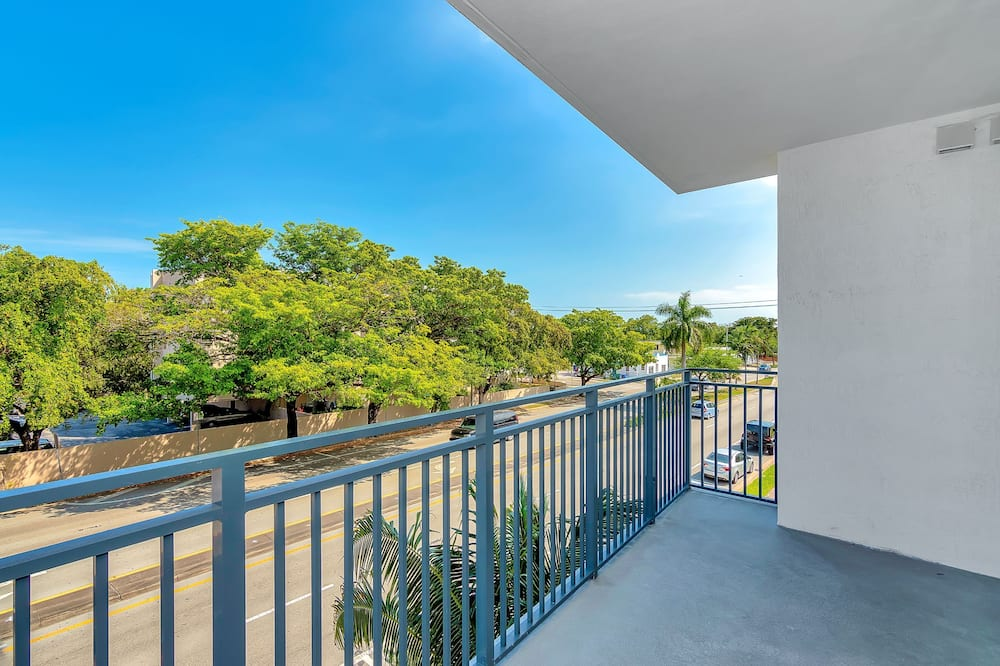 One-Bedroom Apartment - Balcony