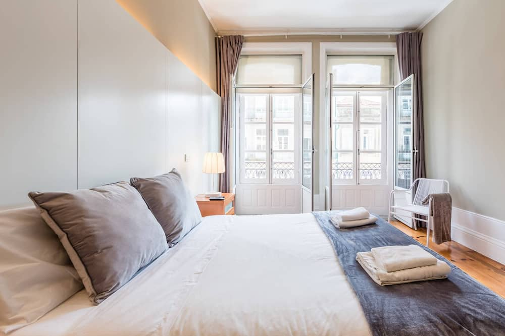 Basic Apartment, Multiple Beds - Room