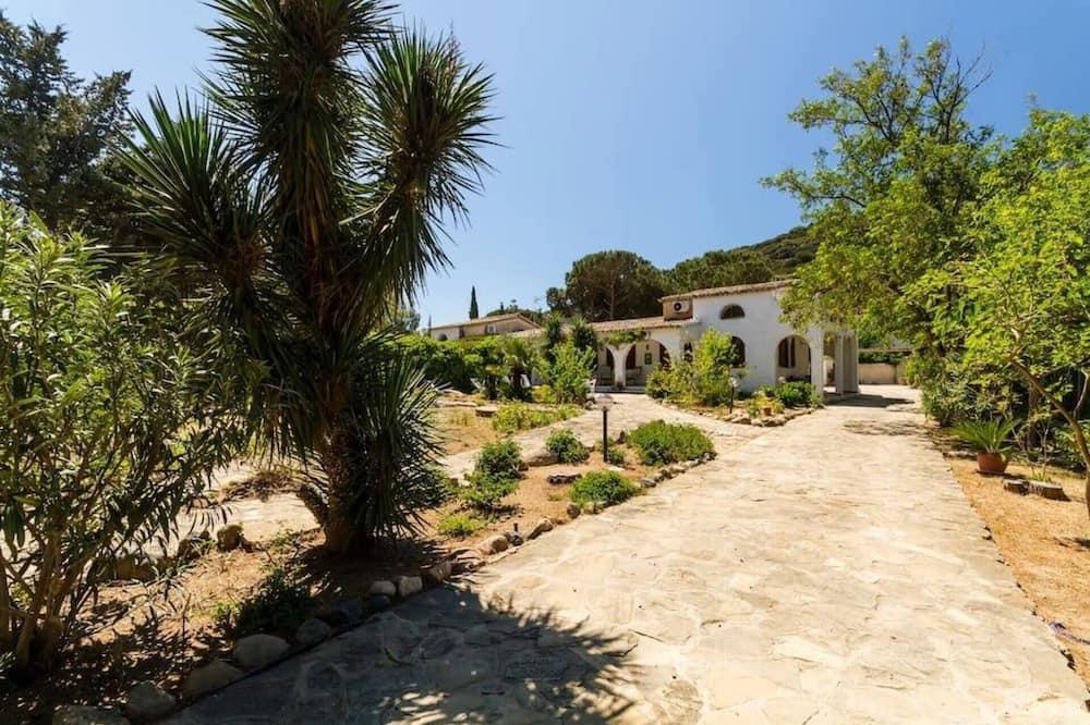 Villa, Varias camas - Jardín