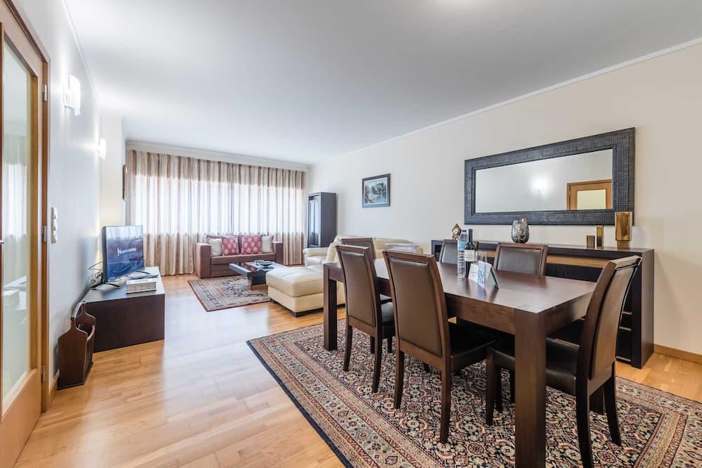 Basic Apartment, 2 Katil Ratu (Queen) - Bilik Rehat