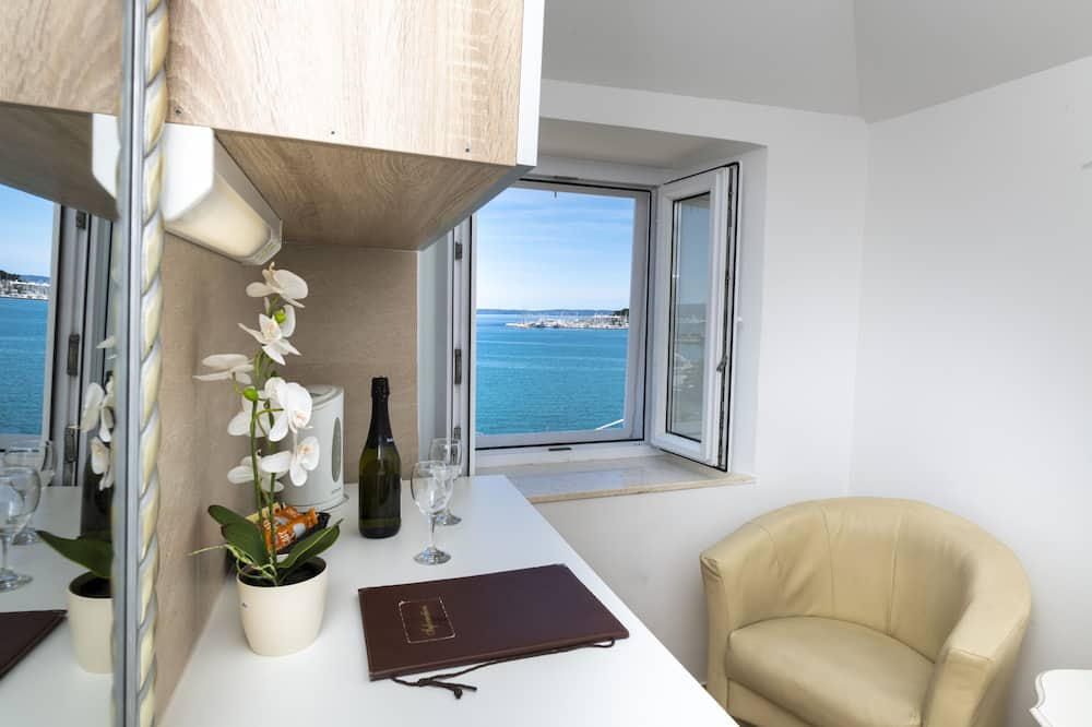Deluxe Σουίτα, Θέα στη Θάλασσα - Δωμάτιο επισκεπτών