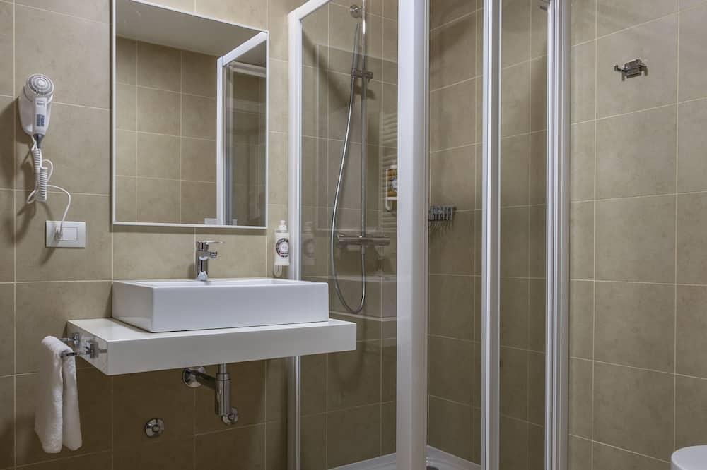 Double Room, Private Bathroom (Balcony) - Bathroom