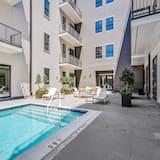 Apartman (St. Charles · Crescent City Condo) - Bazen