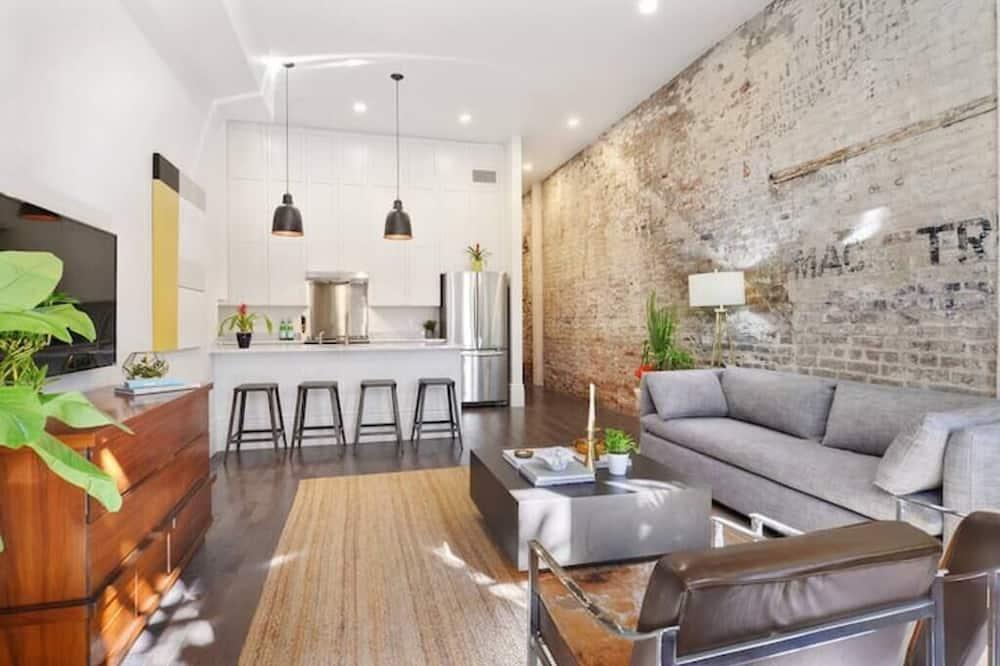 อพาร์ทเมนท์ (Gravier 102 · Sleek, Historic Luxury) - ห้องนั่งเล่น