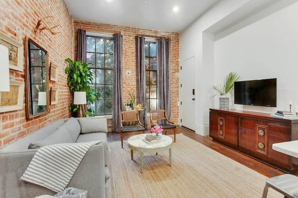 Apartment (Gravier 202 · Retro, Renovated CBD A) - Living Room