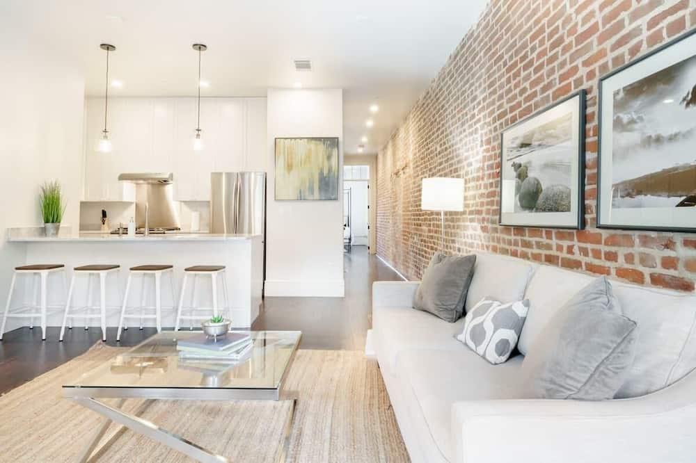 דירה (Gravier 302 · Sleek, Modern Apartmen) - סלון
