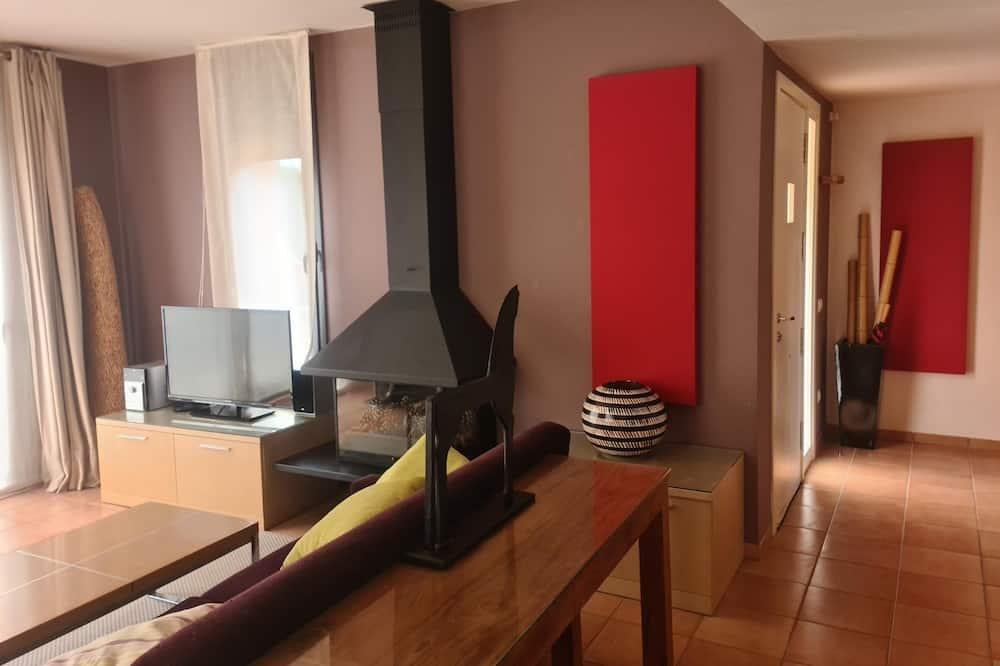Premium House, 3 Bedrooms - Living Room
