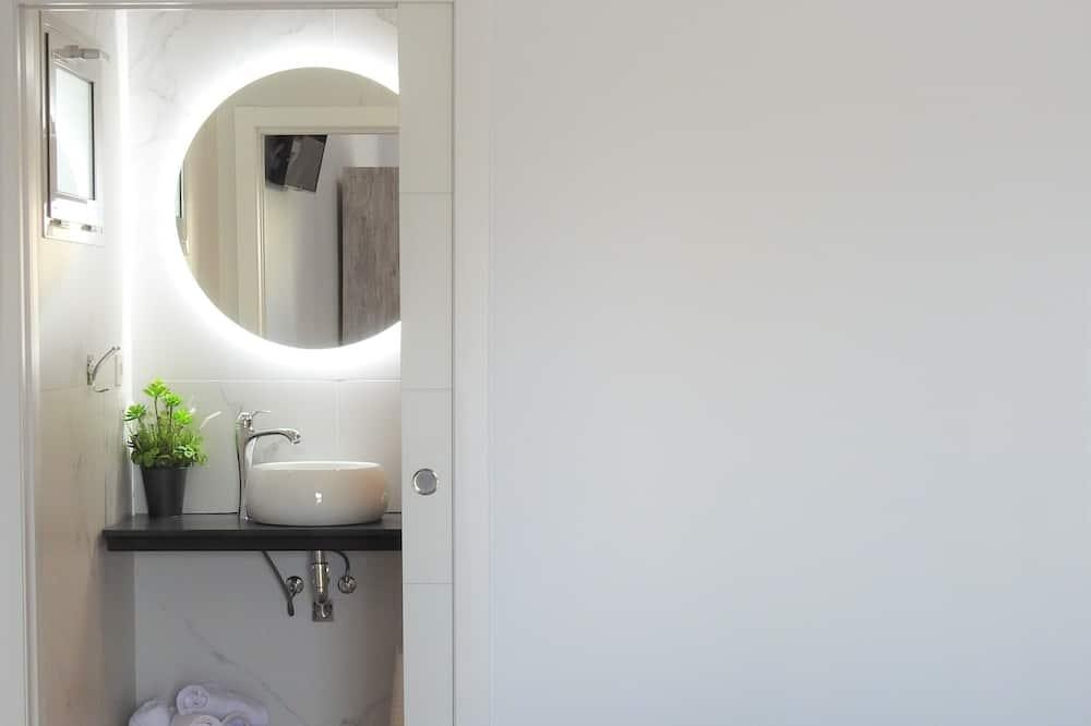 Superior Double or Twin Room, Private Bathroom, Garden View - Bathroom