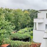 Comfort Studio Suite, 3 Bedrooms, Terrace, City View - Street View