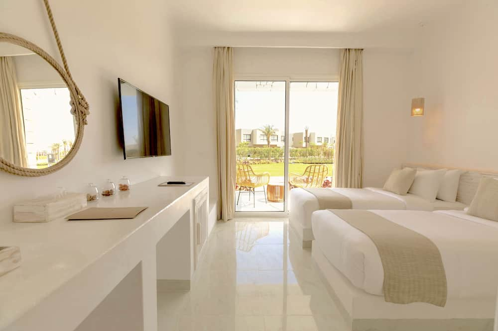 Tanoak Resort