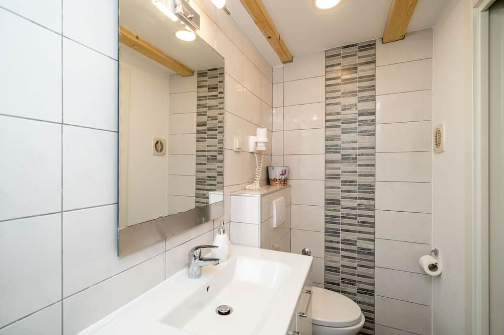 Double Room (Double Room (Ground Floor)) - Bathroom