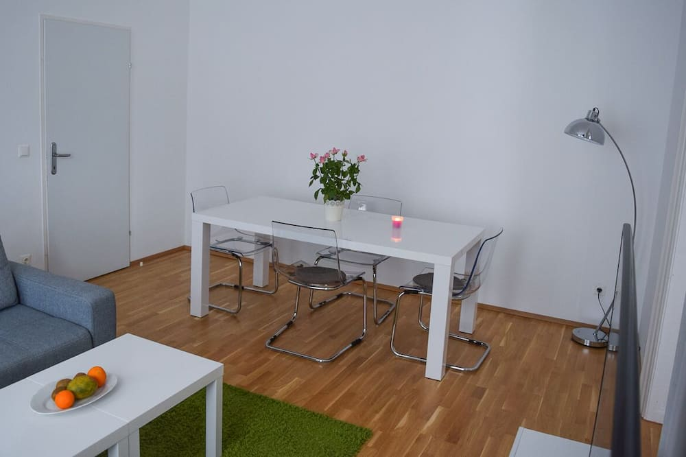 Business Double Room - In-Room Dining