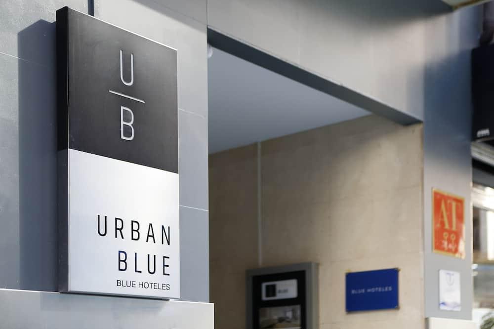 Apartamentos Urban Blue