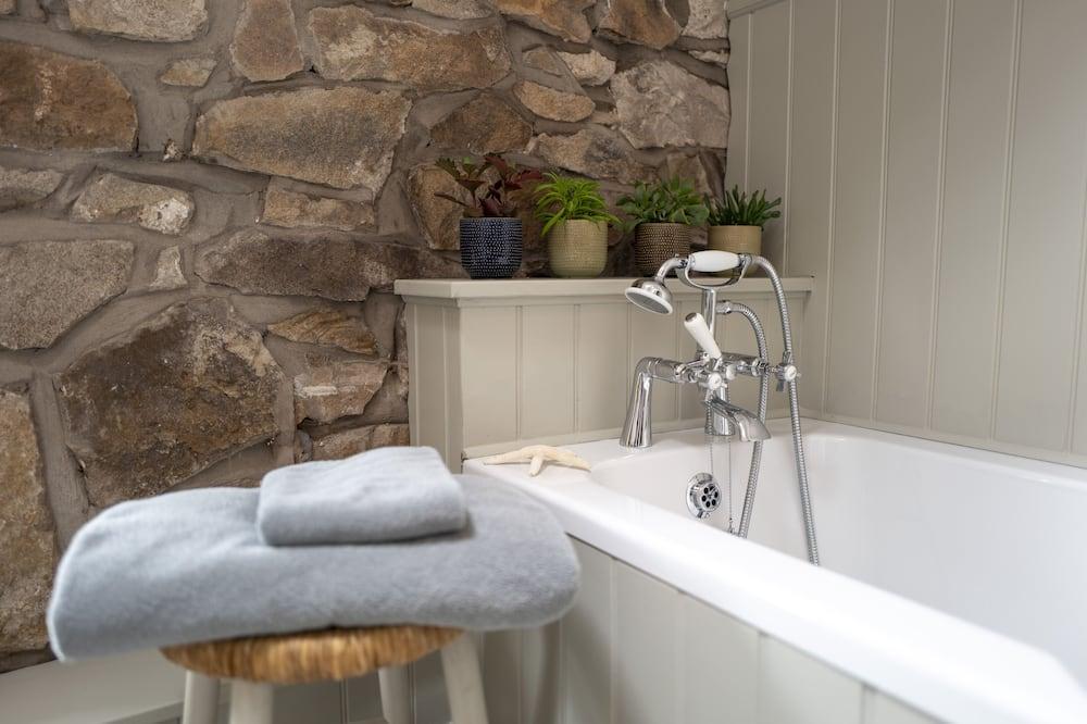 Family Cottage, Private Bathroom (Little Underhill) - Bathroom