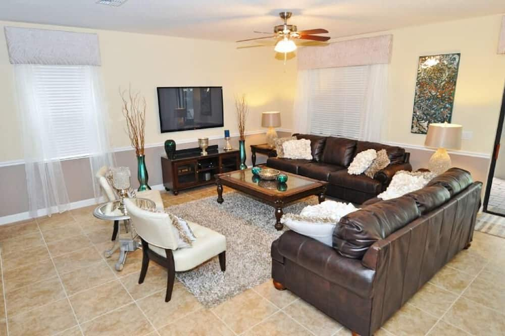 Luxury Champions Gate Pool Hm W Spa, Media Rm, Gm Rm -1474 8 Bedroom Home