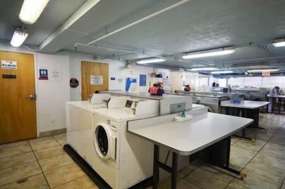 Apartment, 1 Bedroom - Laundry