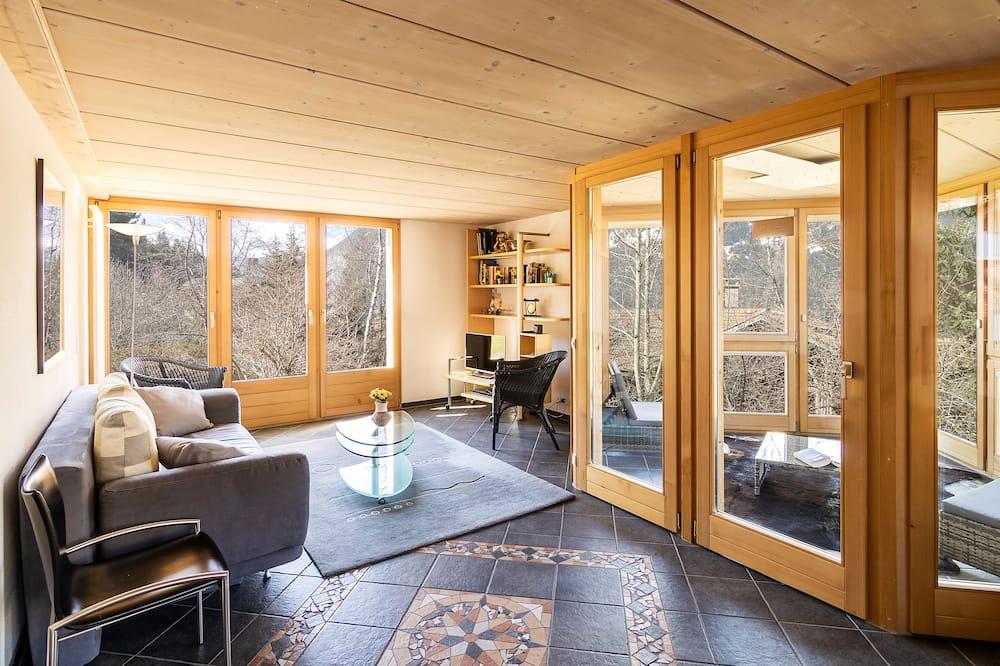 Leilighet, 2 soverom, terrasse, utsikt mot fjell - Oppholdsområde