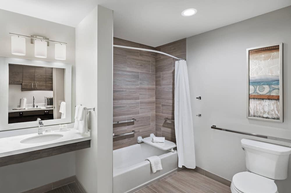 Studio, 2 Queen Beds, Non Smoking - Bathroom