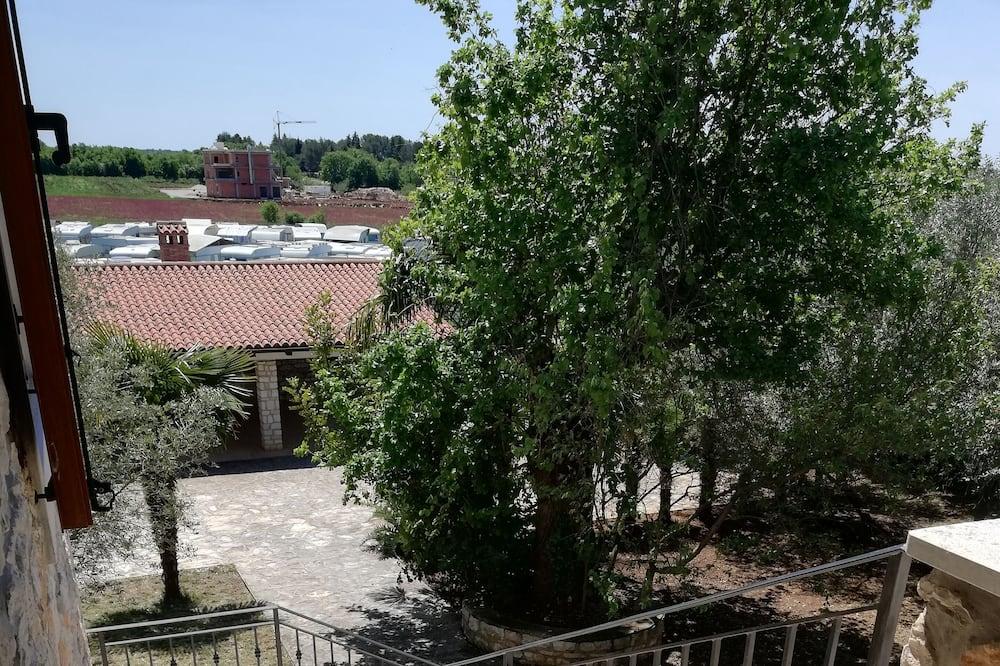 Vila, viacero postelí - Balkón
