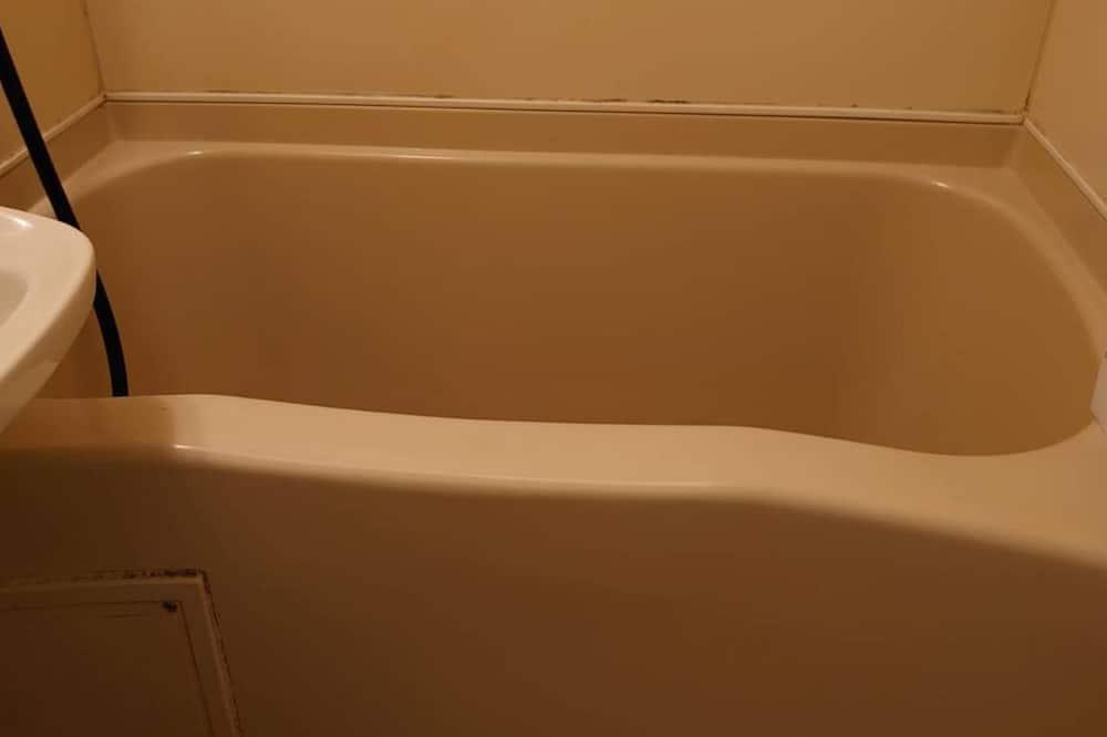 Апартаменты базового типа, для некурящих - Ванная комната
