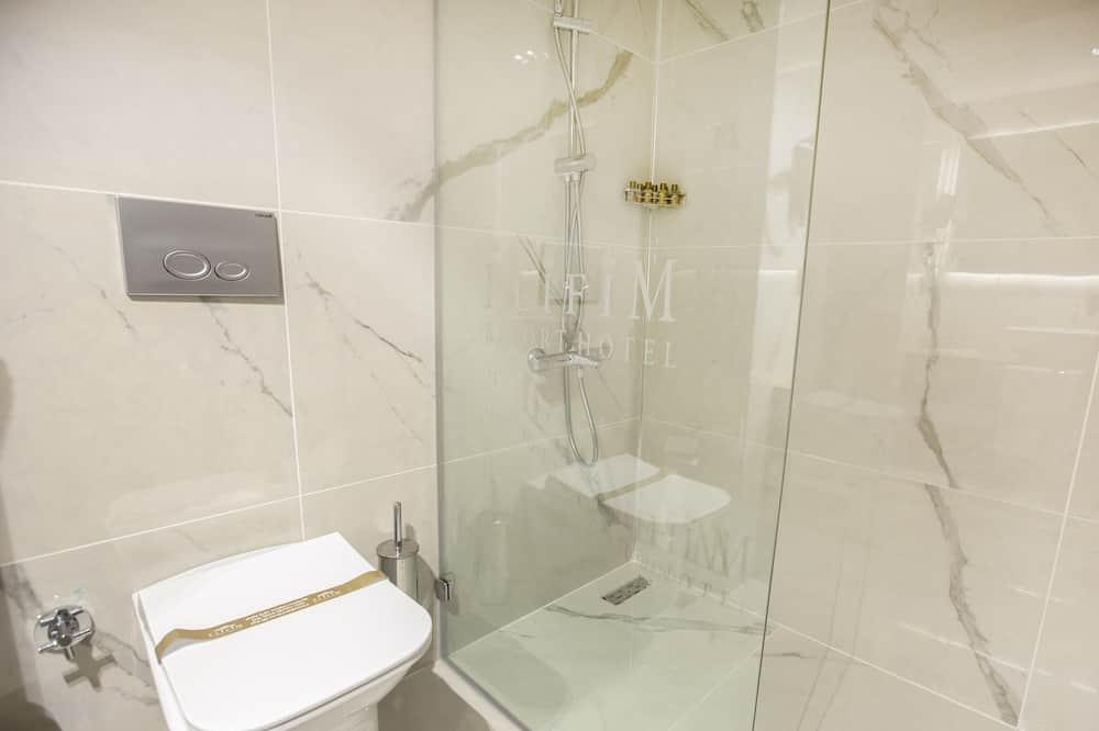 Štandardná izba s dvojlôžkom alebo oddelenými lôžkami, 1 extra veľké dvojlôžko, nefajčiarska izba - Kúpeľňa