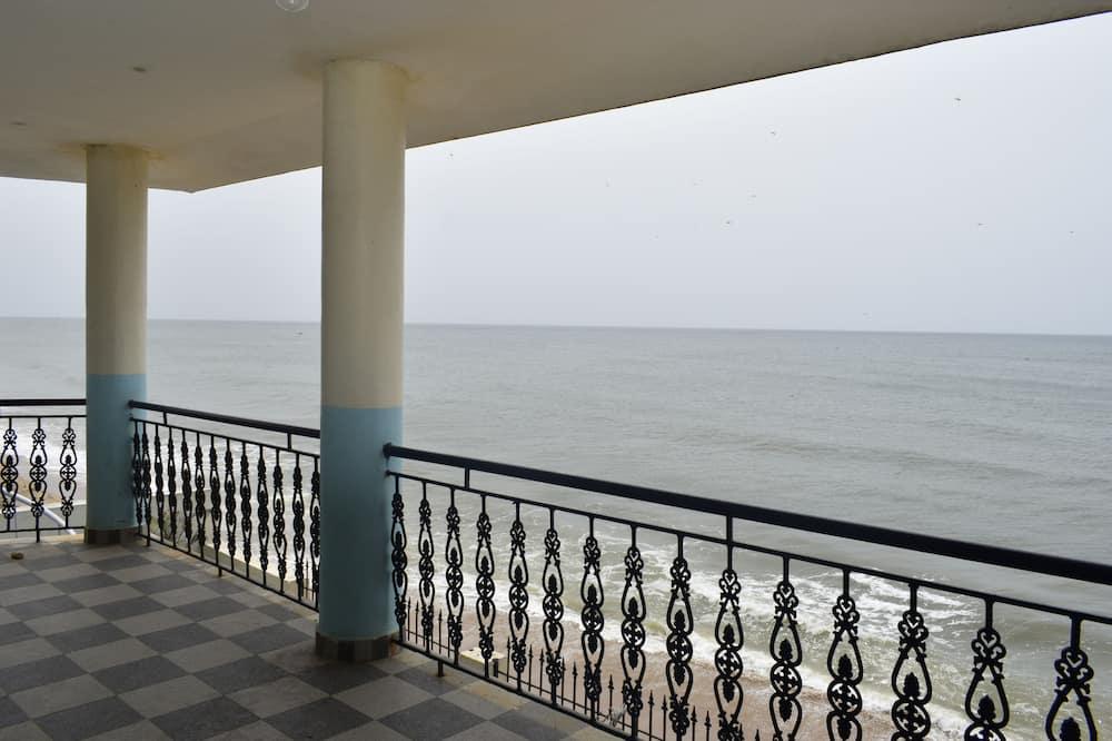 OCEANIC DELUXE ROOM (SEA VIEW) - Living Area