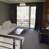 شقة عائلية - سرير كبير مع أريكة سرير - لغير المدخنين - منظر للحديقة - منطقة المعيشة