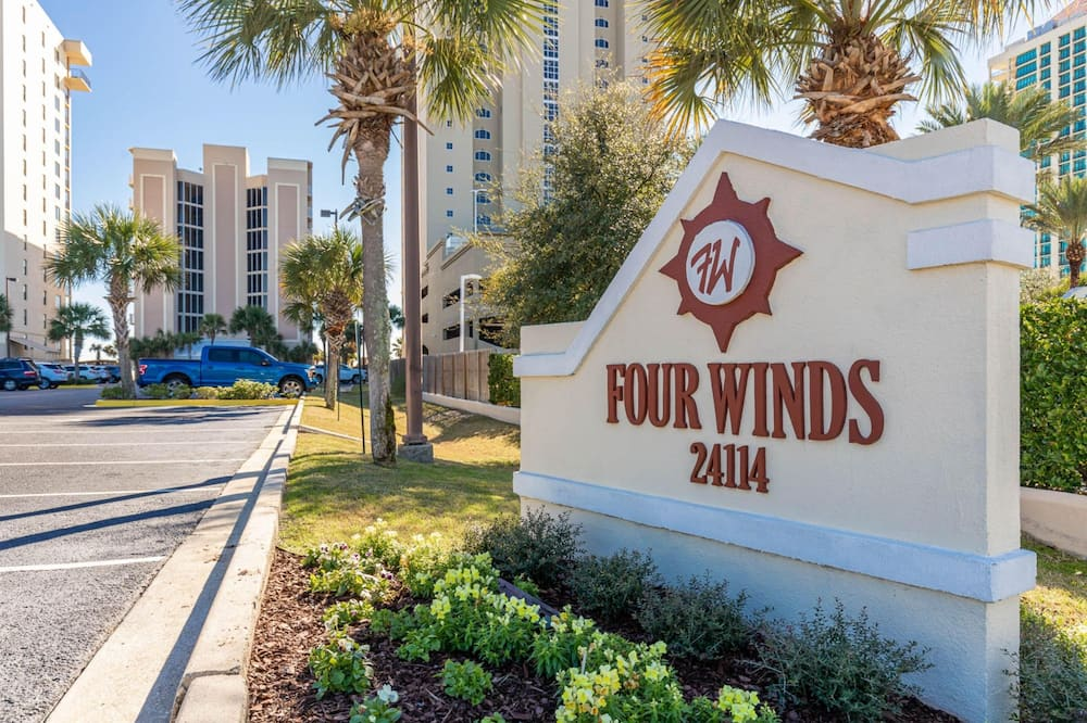 Four Winds 503 by Brett Robinson Vacations