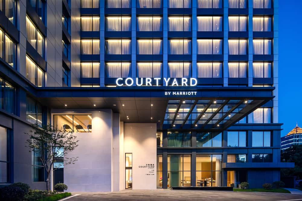 Courtyard by Marriott Jiangyin