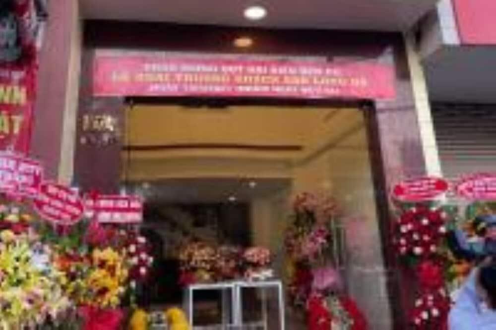 Long Hà Hotel