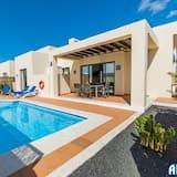 Impeccable 3-bed Villa in Playa Blanca