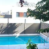 Deluxe apartman, fürdőszobával, kilátással a városra - Medence
