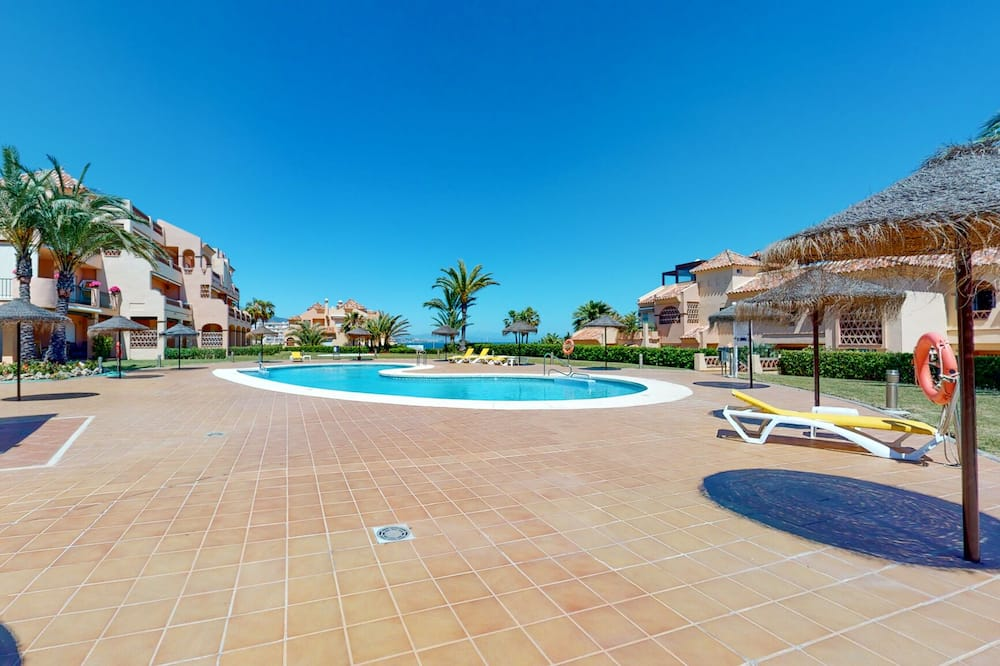 Rodinný apartmán, vlastní koupelna, částečný výhled na moře - Bazén