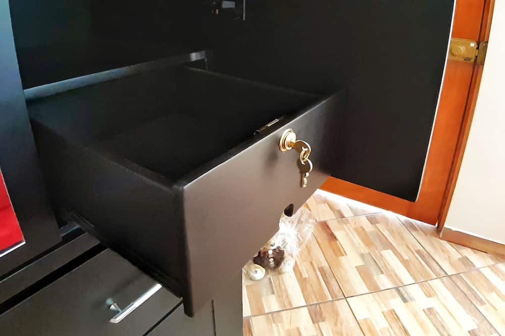 Cozy Hab. Safe Location Hot Shower & Coffee