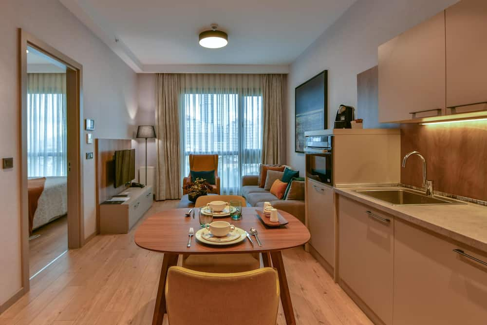 Junior Suite Twin with Half Kitchen - Oturma Alanı