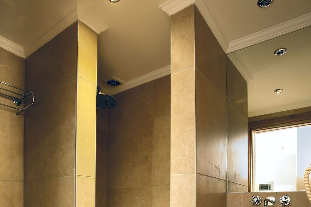 Улучшенный двухместный номер с 1 двуспальной кроватью - Ванная комната