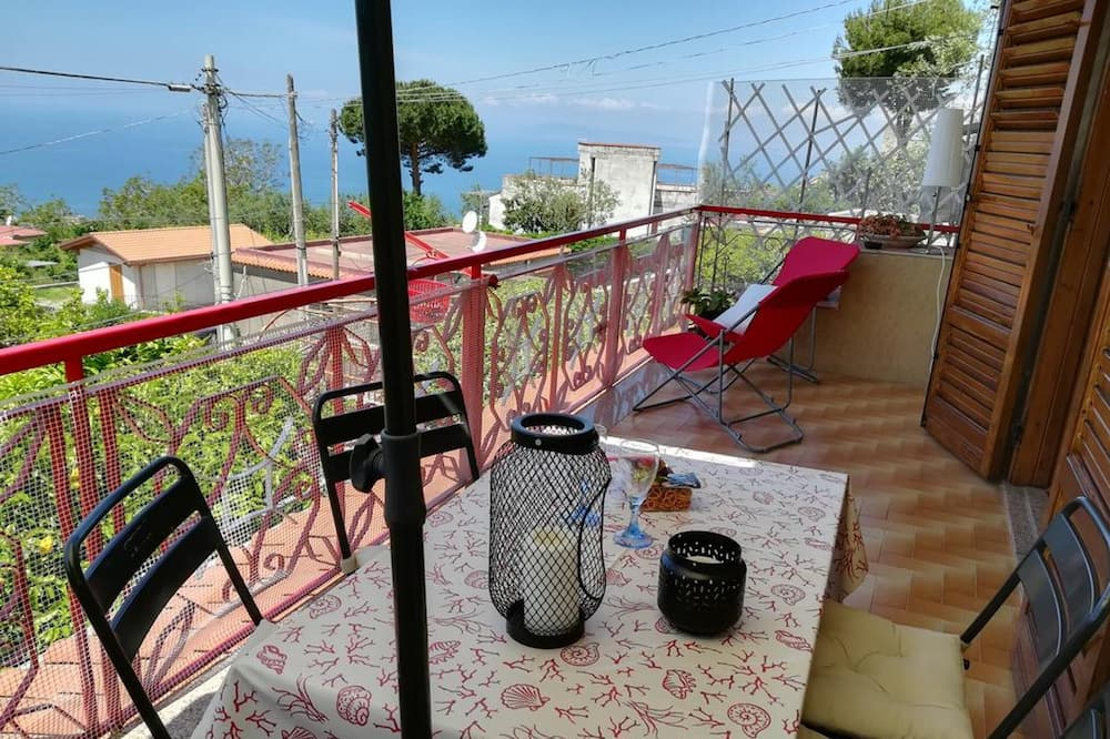 Apartment With one Bedroom in Vico Equense, With Wonderful sea View and Wifi