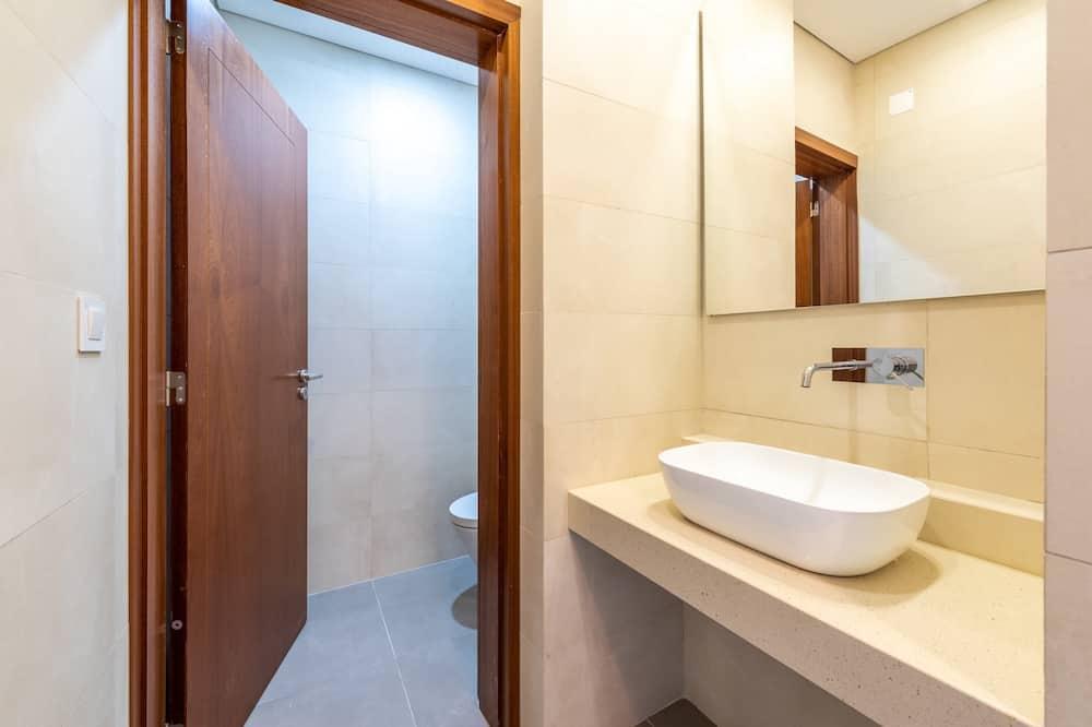 Căn hộ cơ bản, 1 giường cỡ queen - Phòng tắm