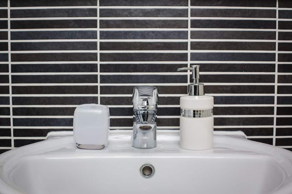 Apartment, Private Bathroom, Sea View (Meridian) - Bathroom