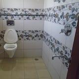 Standartinio tipo keturvietis kambarys - Vonios kambarys