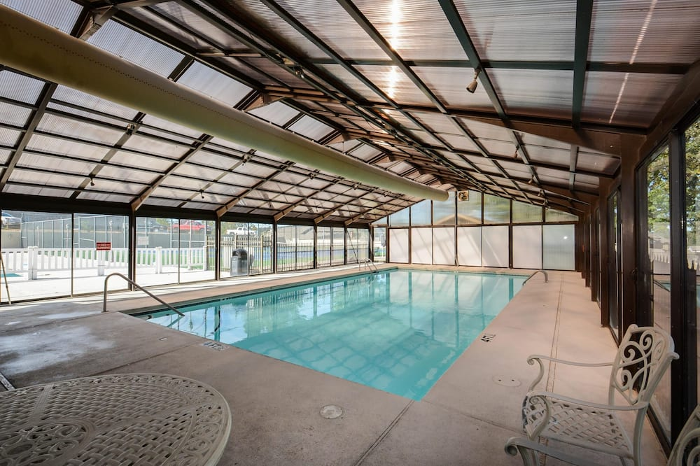 Condo (The Roost Royale-NO STAIRS -- Golf/Wa) - Pool