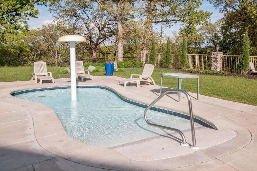 House (Coyote Cabin - EXCELLENT Location - 6) - Pool