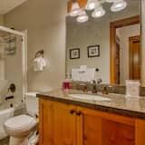 Condo, 2 Bedrooms - Bathroom