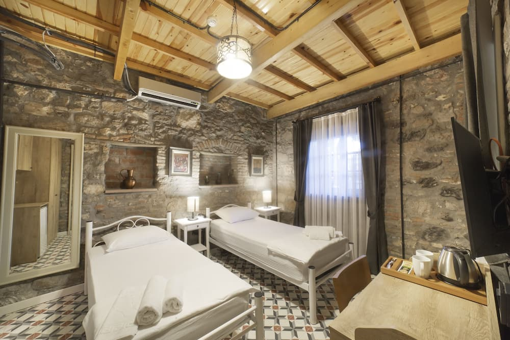 Classic Twin Room - Guest Room