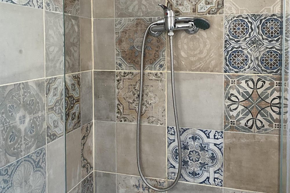 House (MAISON ROUGE) - Bathroom